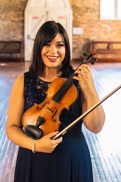 Violin Teacher Sydney Jacqui Carias